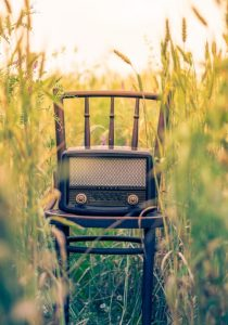 radio-intimacy-nature-chair